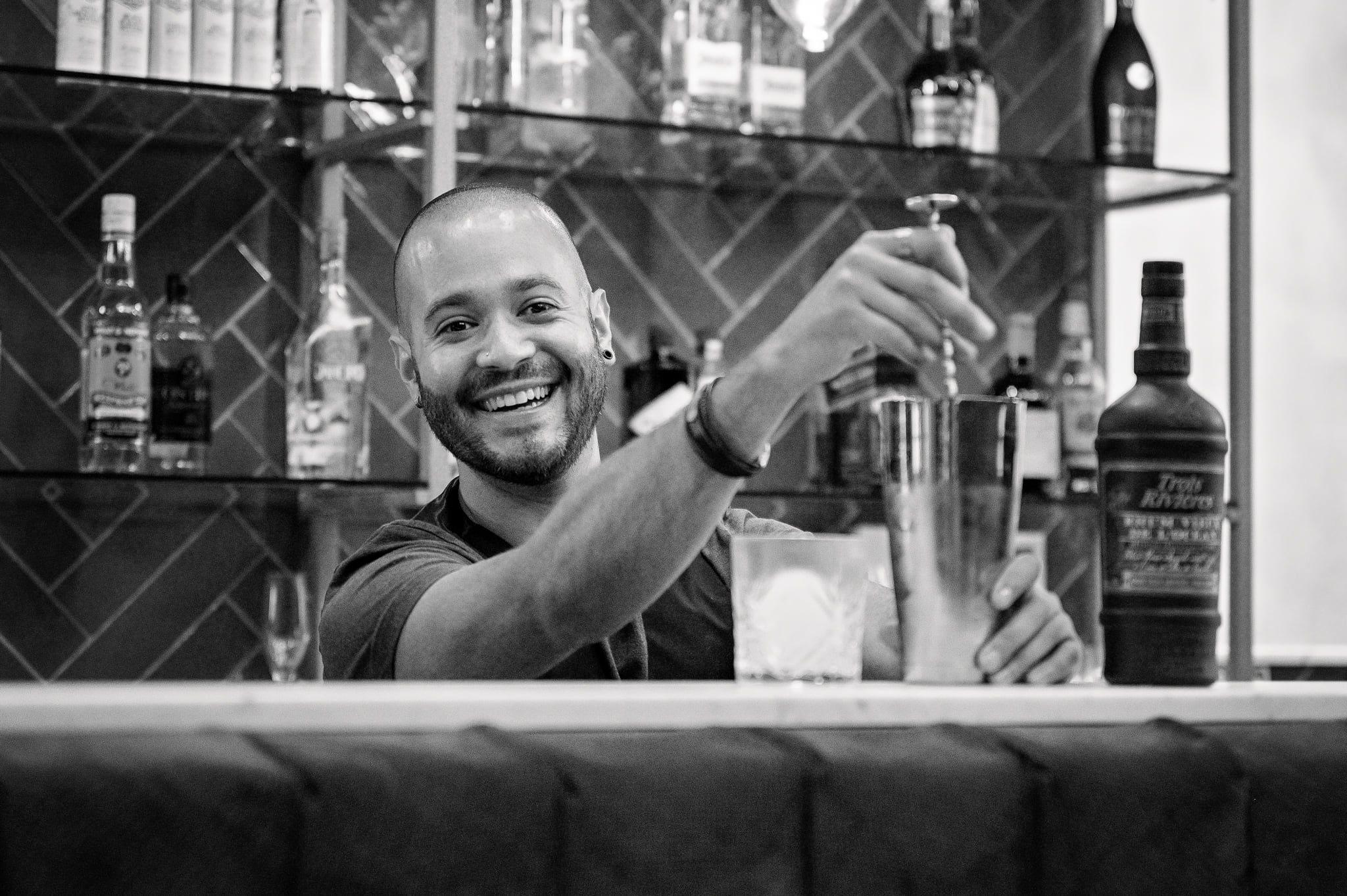 Les Commerces de la Bastide-Gatsby-bartender-1